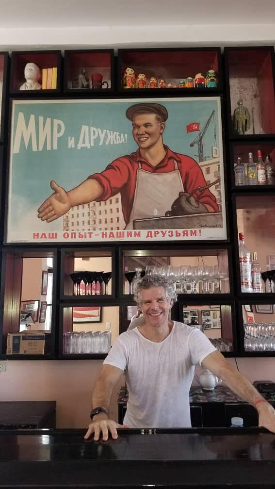 gregory biniowsky is the founder of nazdarovie restaurant in havana